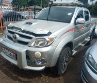 toyota-hilux-double-cab-small-1