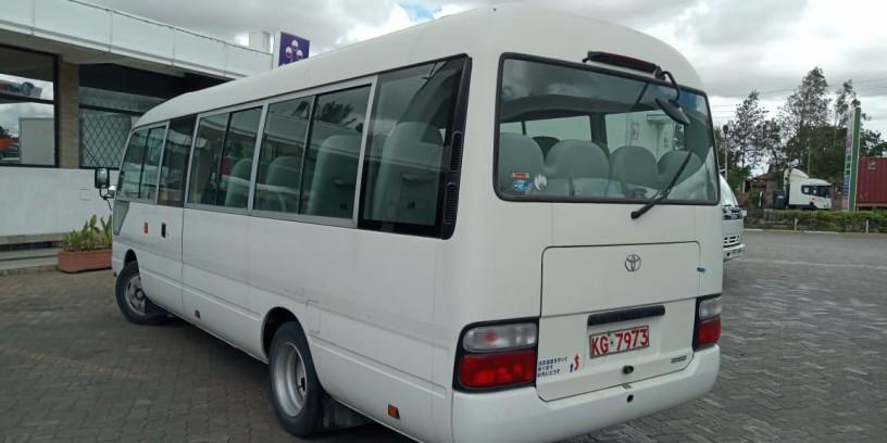 toyota-coaster-bus-big-6
