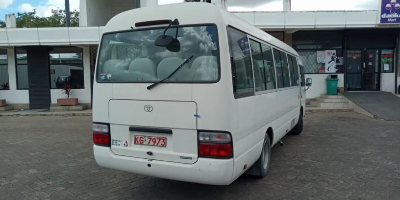 toyota-coaster-bus-big-5
