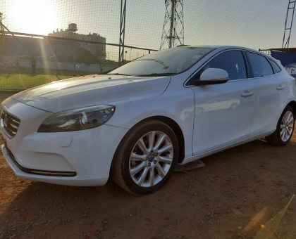 2015 Volvo V40, new import