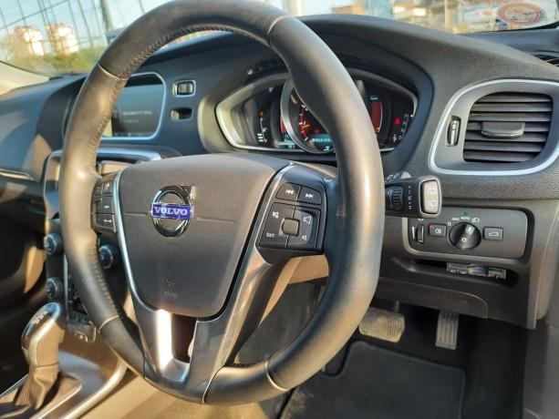 2015-volvo-v40-new-import-big-4