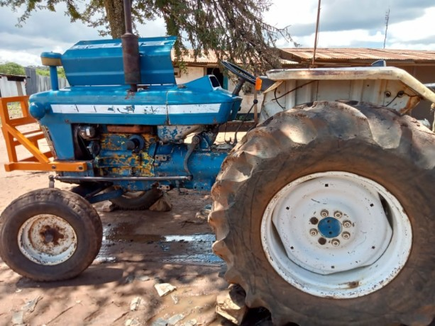 tractor-ford-big-2