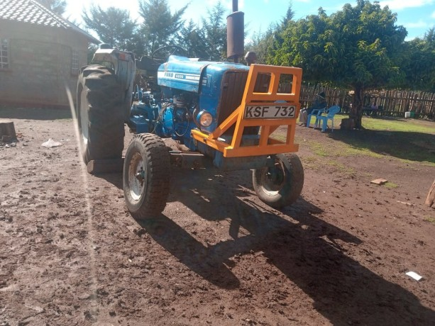 tractor-ford-big-3