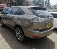 toyota-harrier-small-4