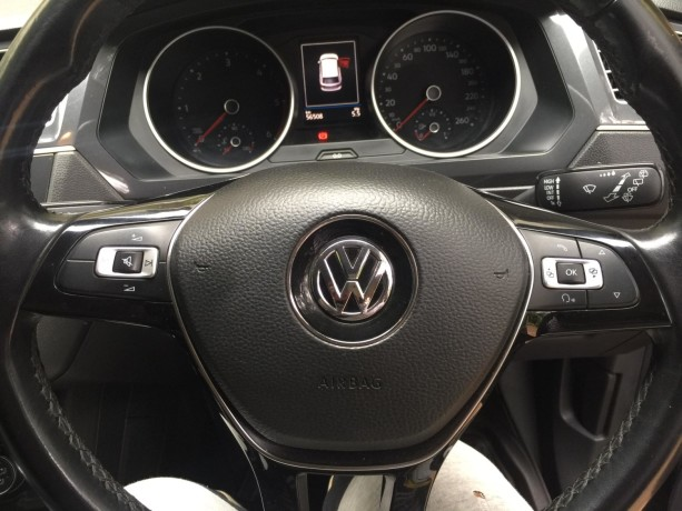 2017vw-tiguan-model-4wd-automatic-diesel-and-has-58000-km-big-3