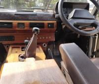 range-rover-classic-1985-model-small-7