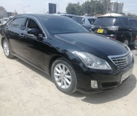 toyota-crown-small-2