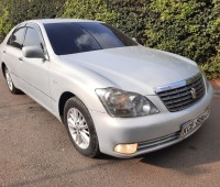 toyota-crown-small-1