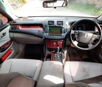 toyota-crown-small-6
