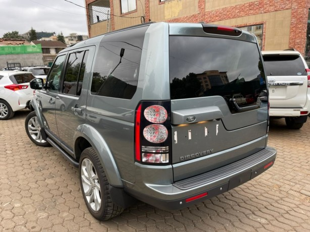 landrover-discovery4-big-7