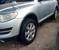 volkswagen-touareg-for-sale-small-4