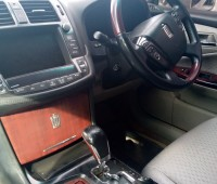 toyota-crown-small-8