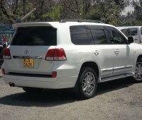 car-hire-and-rental-service-0700252501-small-3