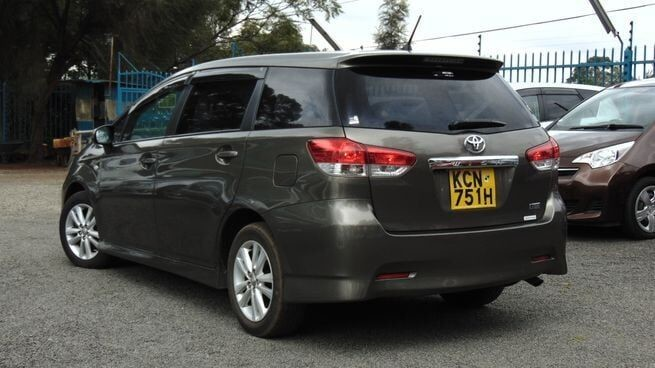 car-hire-and-rental-service-0700252501-big-0