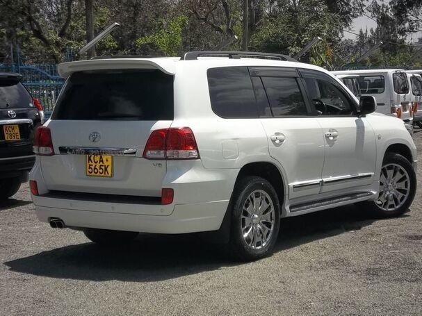 car-hire-and-rental-service-0700252501-big-3