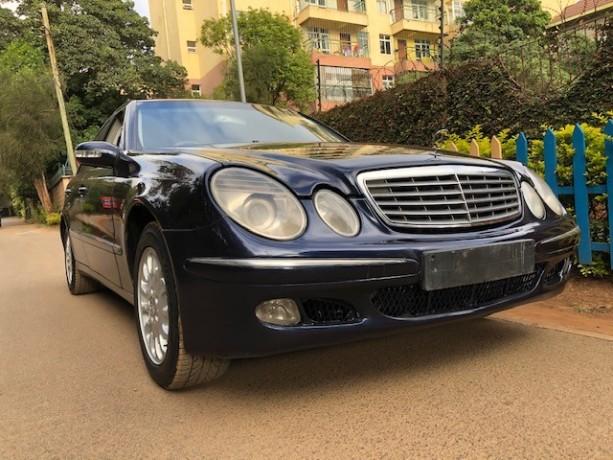 mercedes-benz-e200-elegance-big-0