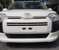 toyota-succeed-small-4