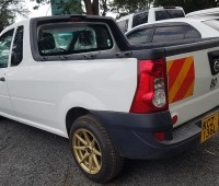 nissan-np200-pick-up-small-6