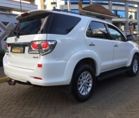 toyota-fortuner-small-8