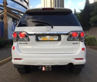 toyota-fortuner-small-7