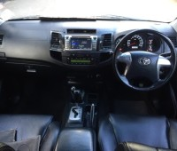 toyota-fortuner-small-4