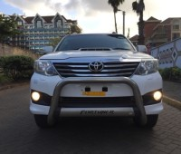 toyota-fortuner-small-6