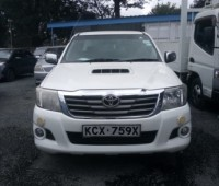 toyota-hilux-small-7