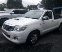 toyota-hilux-small-8