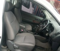 toyota-hilux-small-0