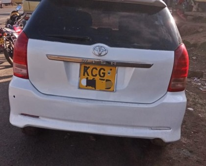 Toyota wish for sale in good condition