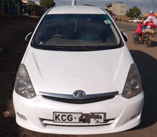 toyota-wish-for-sale-in-good-condition-big-1