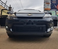 toyota-harrier-sunroof-full-leather-small-7
