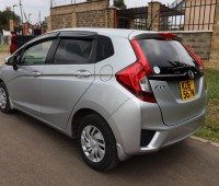 2014-honda-fit-13g-f-package-small-4