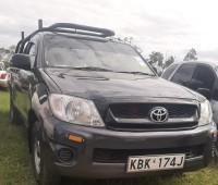 toyota-hilux-2009-small-2