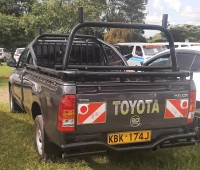 toyota-hilux-2009-small-3