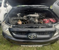 toyota-hilux-2009-small-6