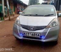extremely-clean-honda-fit-small-0