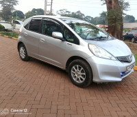extremely-clean-honda-fit-small-2