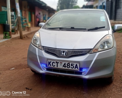 Extremely clean Honda fit