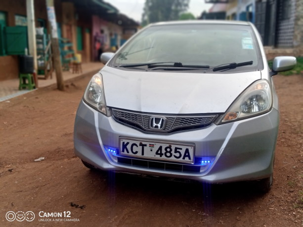 extremely-clean-honda-fit-big-0