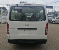 toyota-hilux-small-3