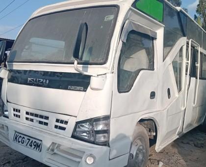 2015 Isuzu NQR bus 33 seater for sale.