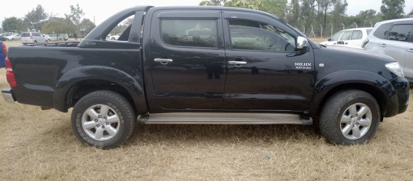 toyota-hilux-for-sale-big-7