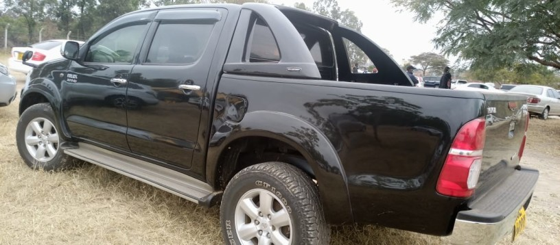 toyota-hilux-for-sale-big-8