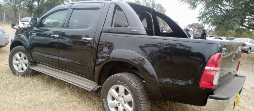 toyota-hilux-for-sale-big-9