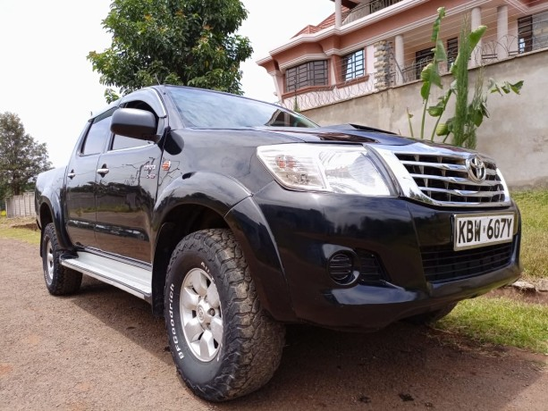 toyota-hilux-for-sale-big-3