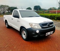 toyota-hilux-small-6