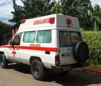 toyota-landcruiser-ambulance-small-3