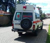 toyota-landcruiser-ambulance-small-5