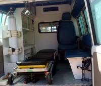 toyota-landcruiser-ambulance-small-7